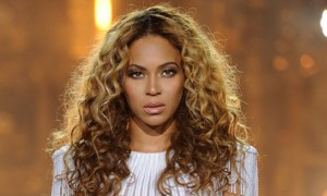 mobile_Beyonce-performs-on-her-M-010